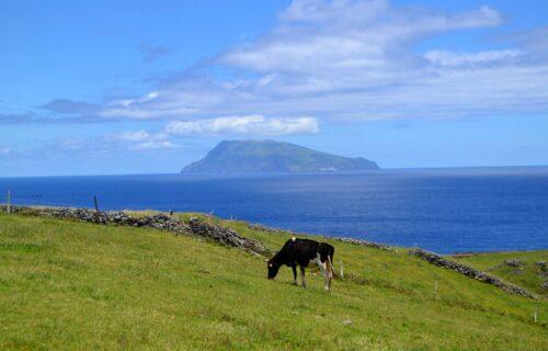 A ilha do Corvo vista da ilha das Flores