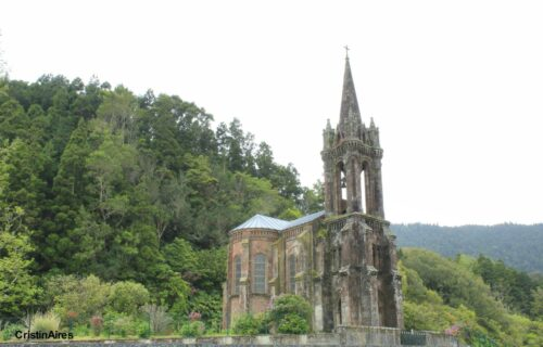 Capela de Nossa Senhora das Vitórias, Furnas