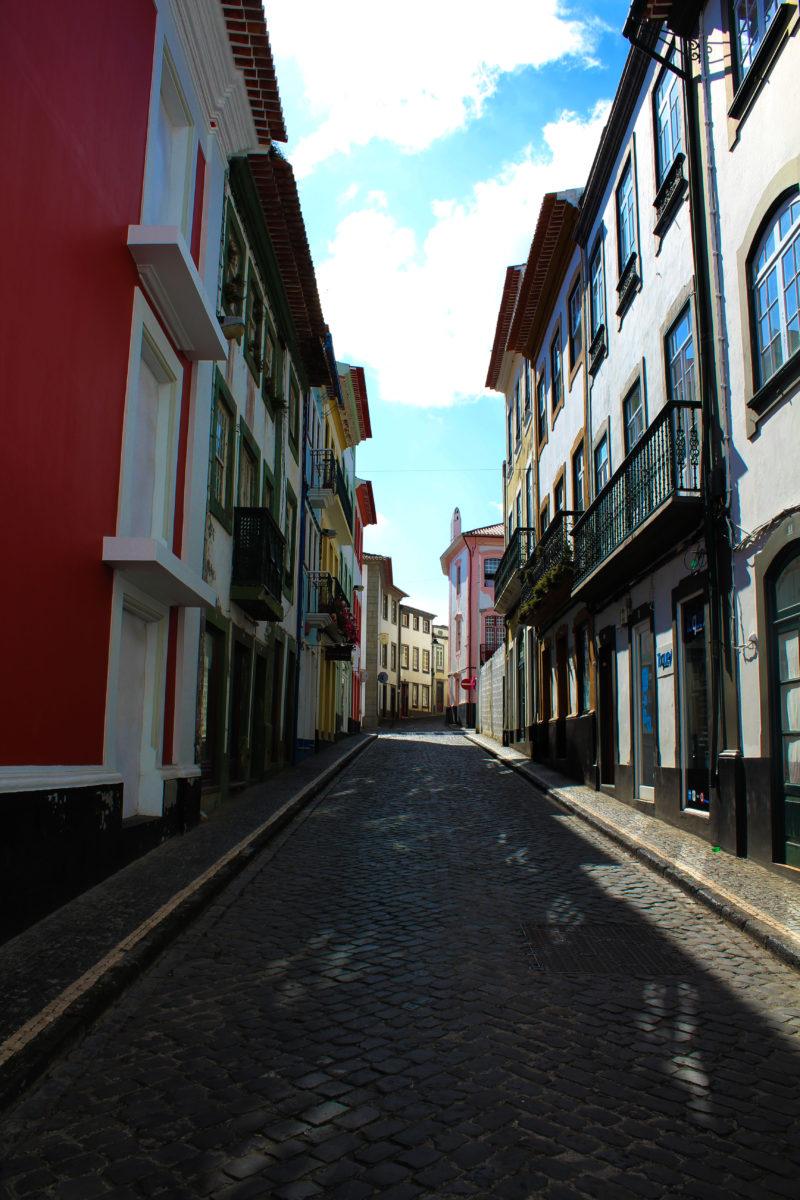 Pelas ruas de Angra…