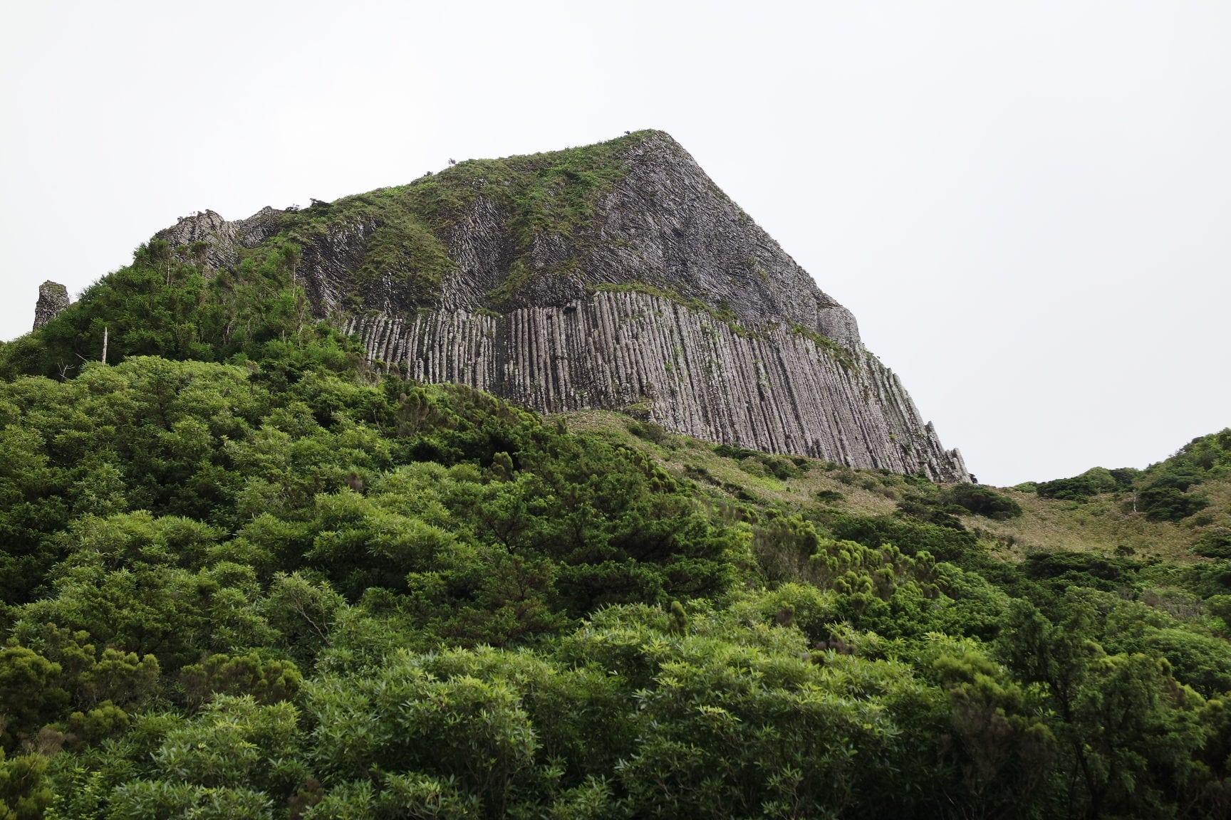 Rocha dos Bordões – Ilha das Flores
