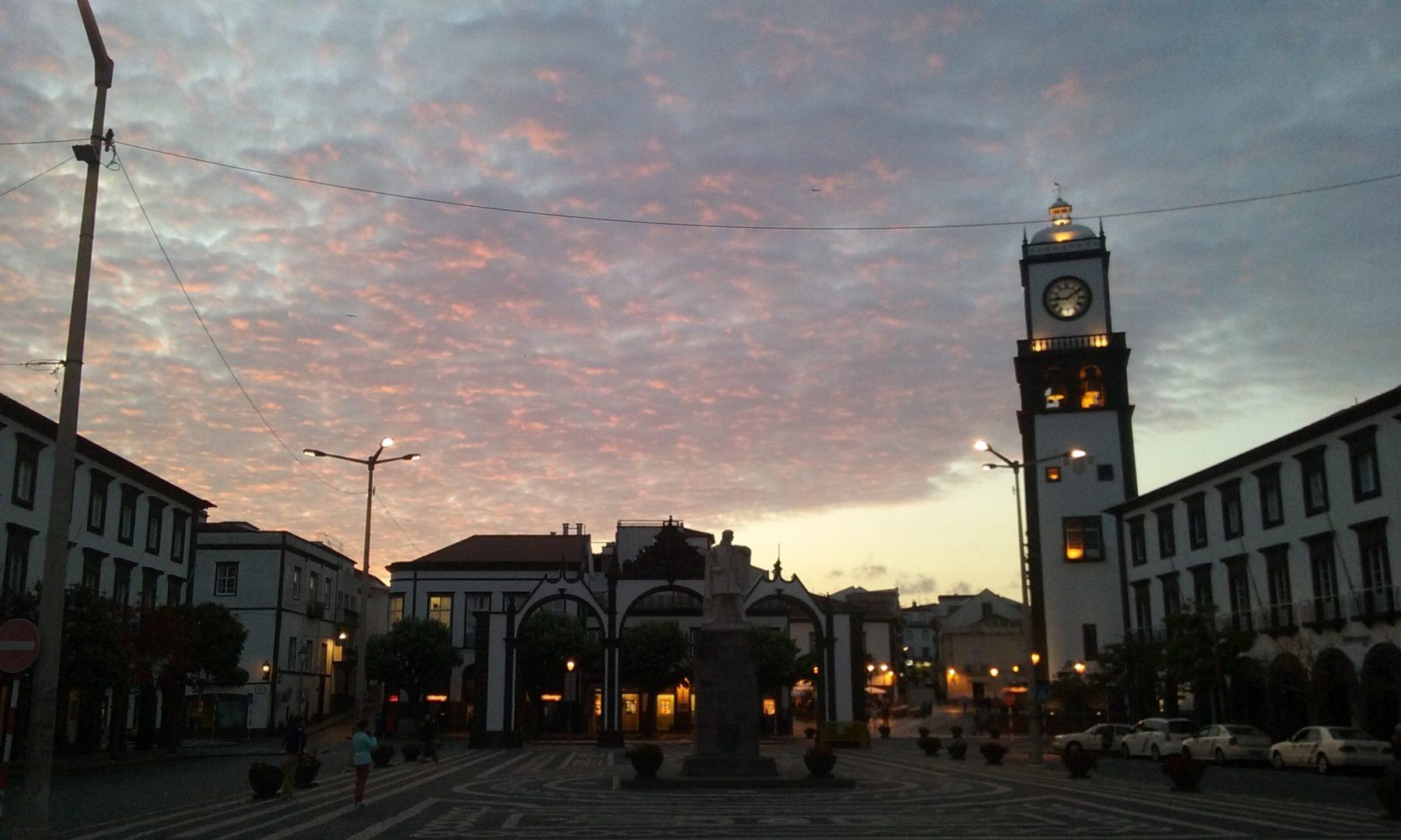 Anoitecer em Ponta Delgada