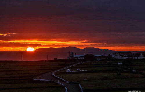 Pôr do Sol atrás da Graciosa