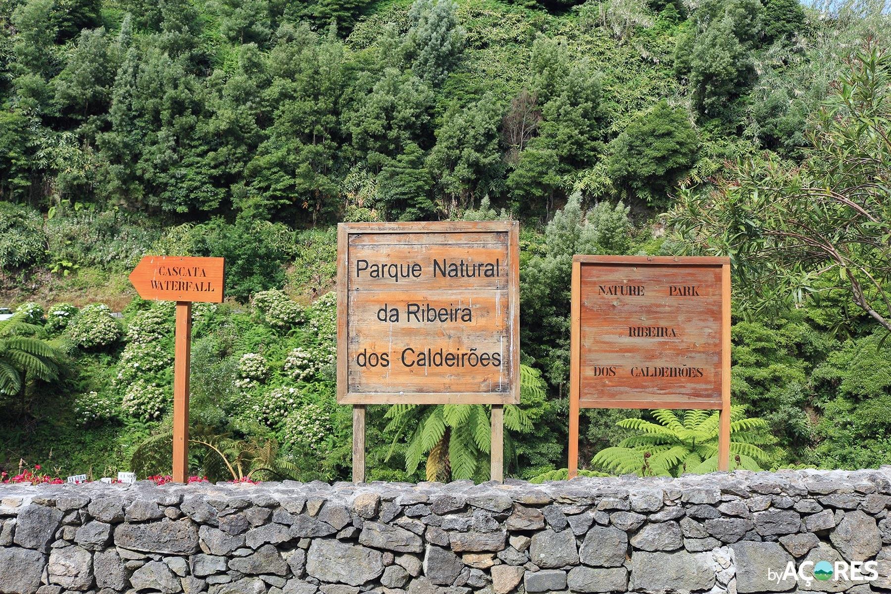 Parque Natural Ribeira dos Caldeirões – Placas entrada