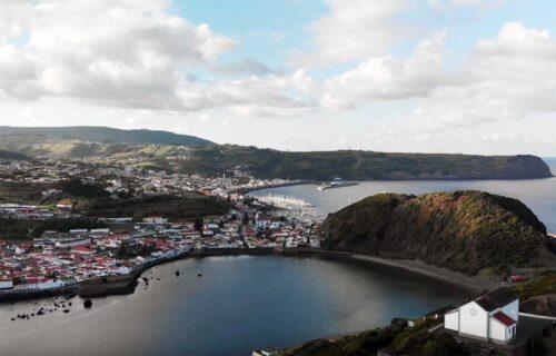 Imagens aéreas da Ilha do Faial: simplesmente magnífico