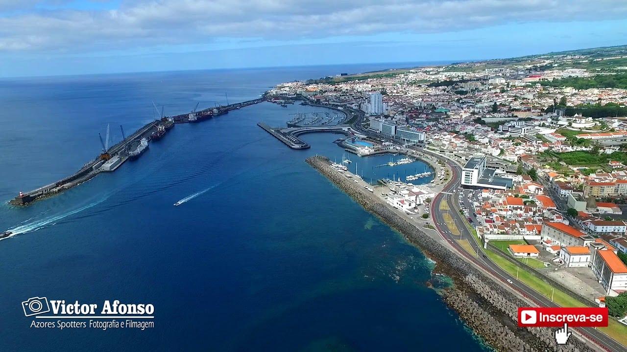 CIdade de Ponta Delgada vista do céu – Imagens simplesmente magníficas