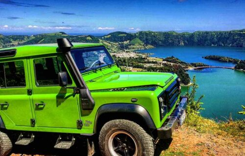 Sete Cidades with Greenzone Azores Tours.  Land Rover Defender  S.Miguel, Açores