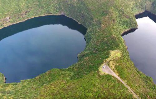 Lagoas na Ilha das Flores vistas do céu, imagens simplesmente magníficas