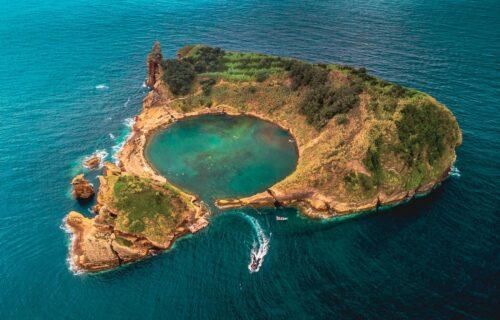 Azores (Capelinhos, Ilhéu de Vila franca do Campo, Lagoa do Fogo, Caldeira)