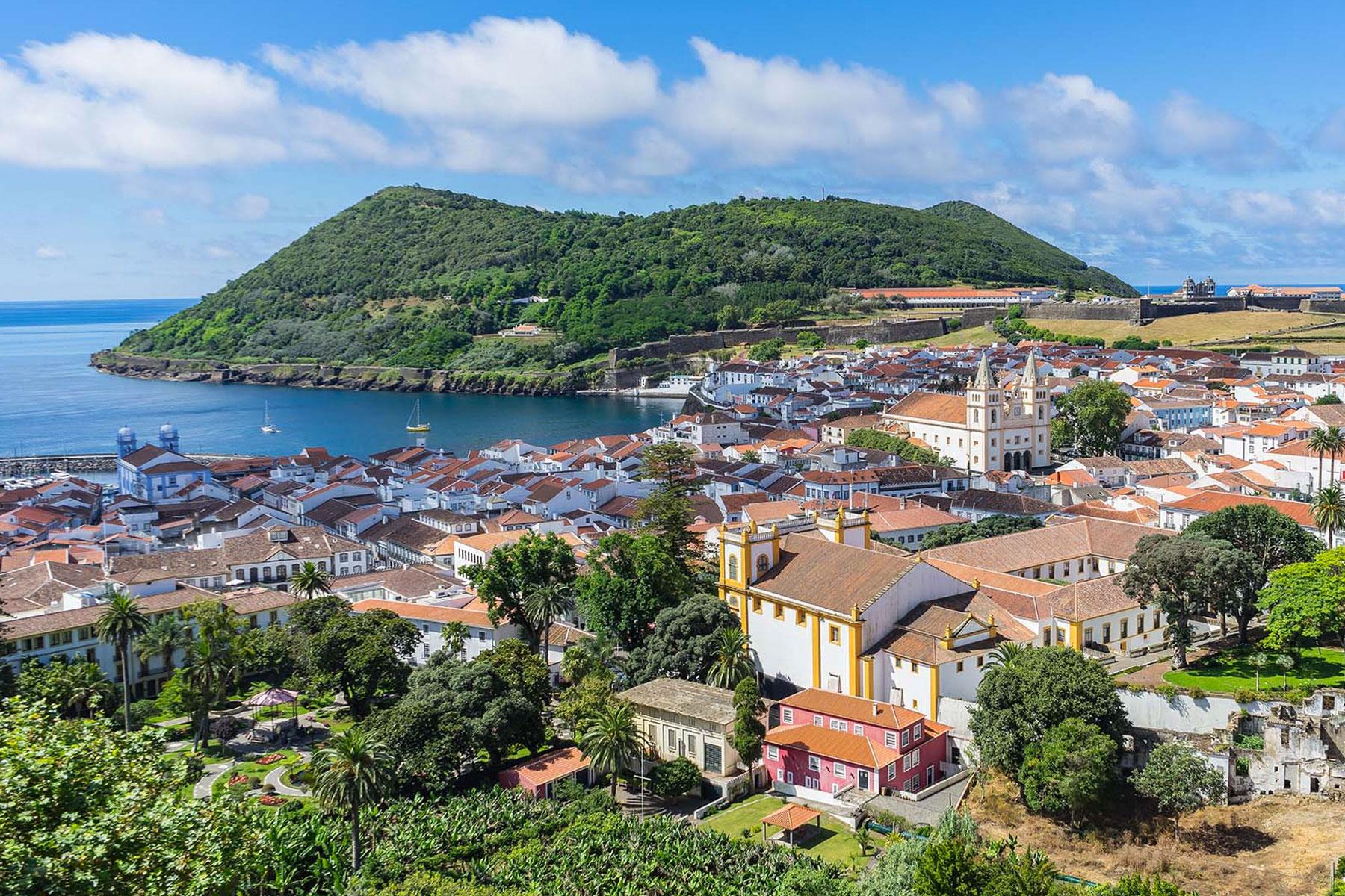 Ilha Terceira - Viagem e Alojamento
