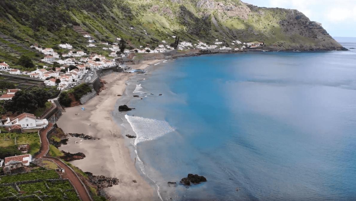 Imagens de cortar a respiração captadas por drone na Ilha de Santa Maria