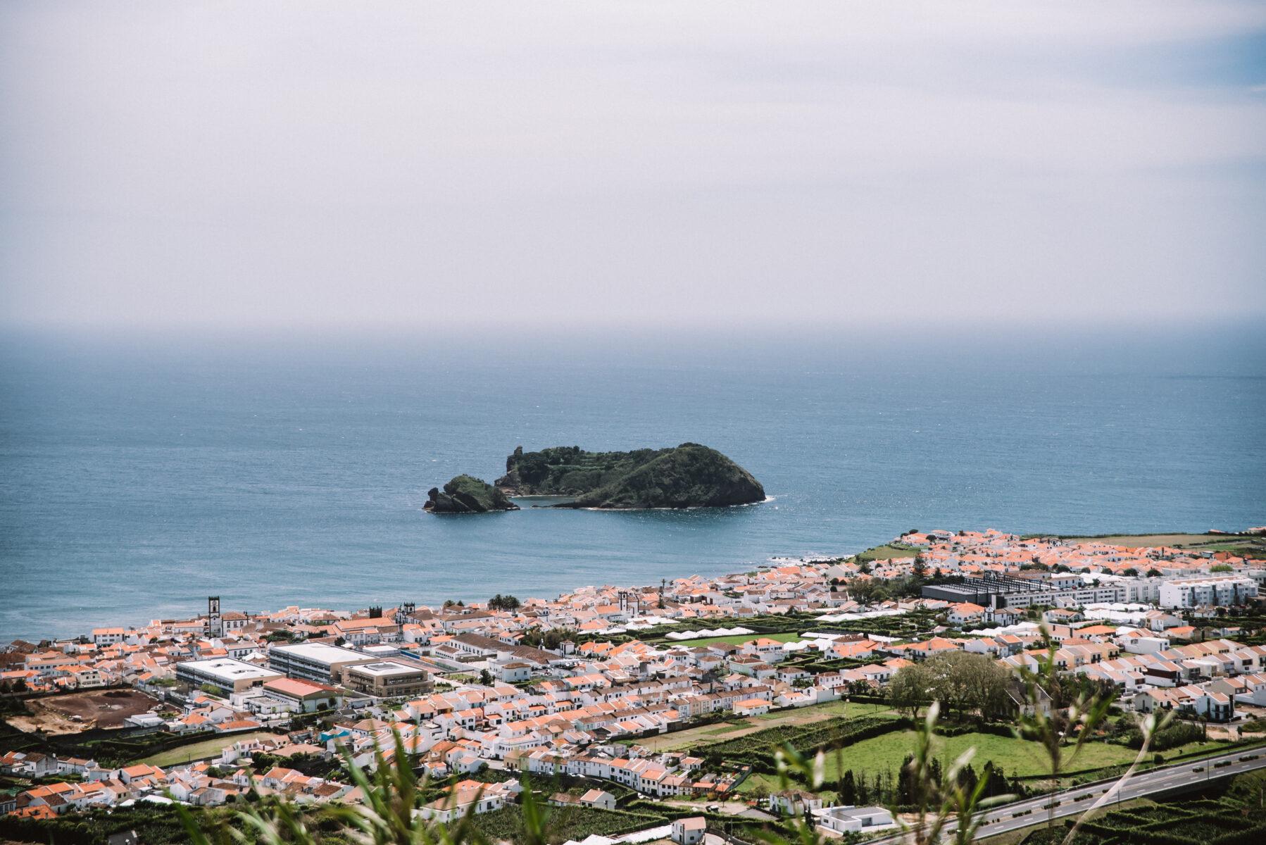 Vila Franca do Campo vista do Miradouro Nossa Senhora da Paz