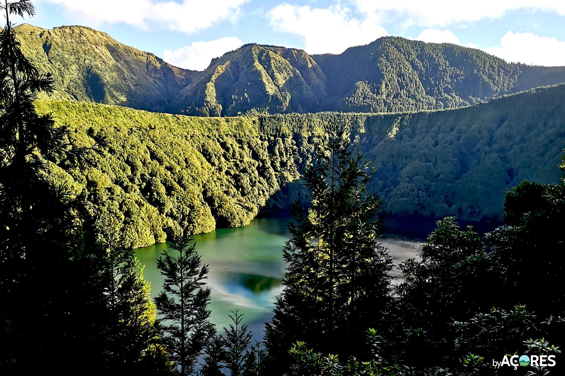 Lagoa de Santiago - VIsta do Miradouro - São Miguel, Açores