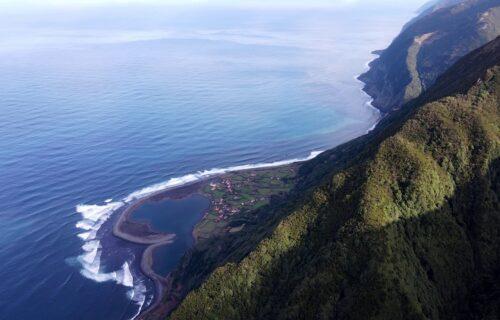 Imagens aéreas da Ilha de São Jorge – de cortar a respiração