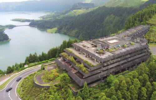 Imagens aéreas mostram o Hotel Monte Palace visto do céu