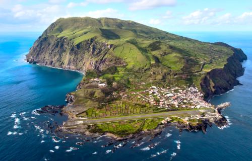 Ilha do Corvo em vista aérea