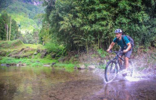 Descida de Canyoning + Tour de Bicicleta